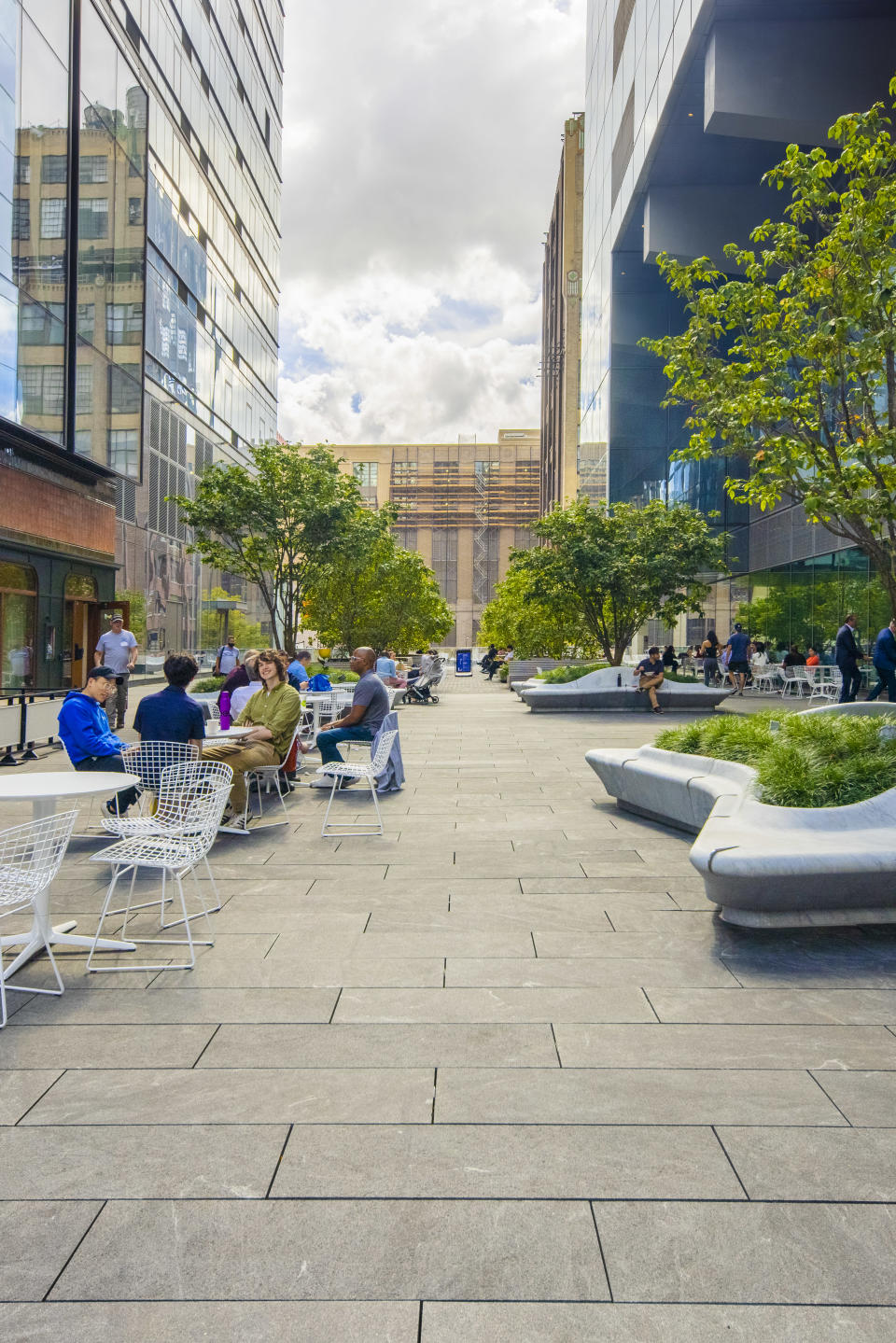 The outdoor public space within Manhattan West. Photo by Jakob Dahlin.