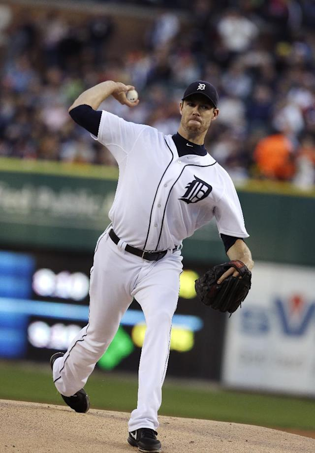 Detroit Tigers starting pitcher Doug Fister throws during the first inning of a baseball game against the Kansas City Royals, Saturday, Sept. 14, 2013, in Detroit. (AP Photo/Carlos Osorio)