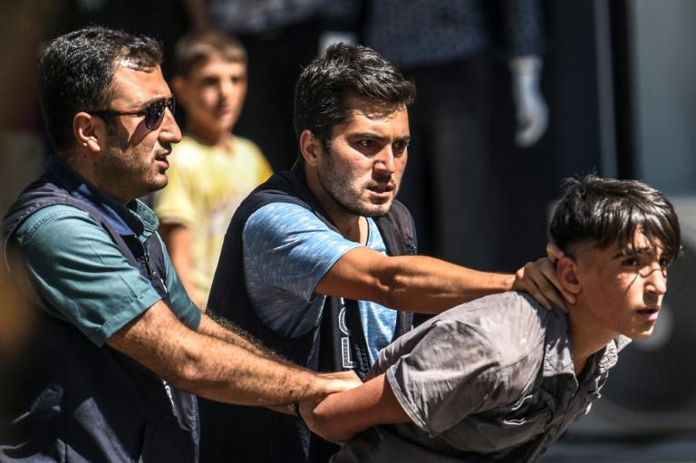 At least 200 people attempted to stage a protest march to Diyabakir's historic Sur district but were met with police water cannons and seven were detained