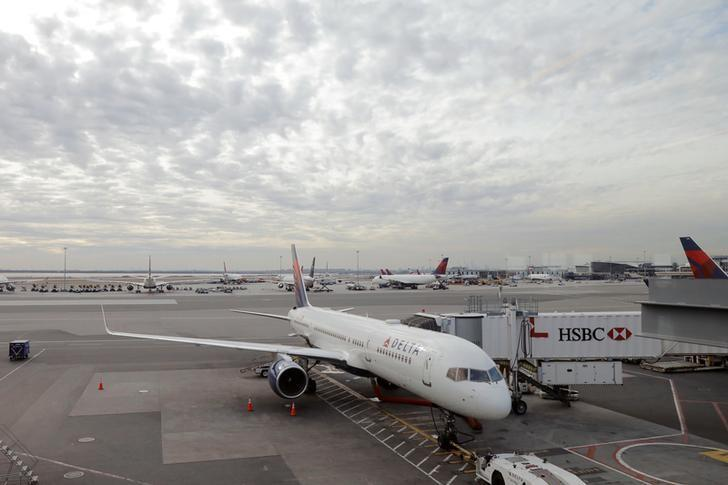 Coronavirus Briefly Halts Flights to NY