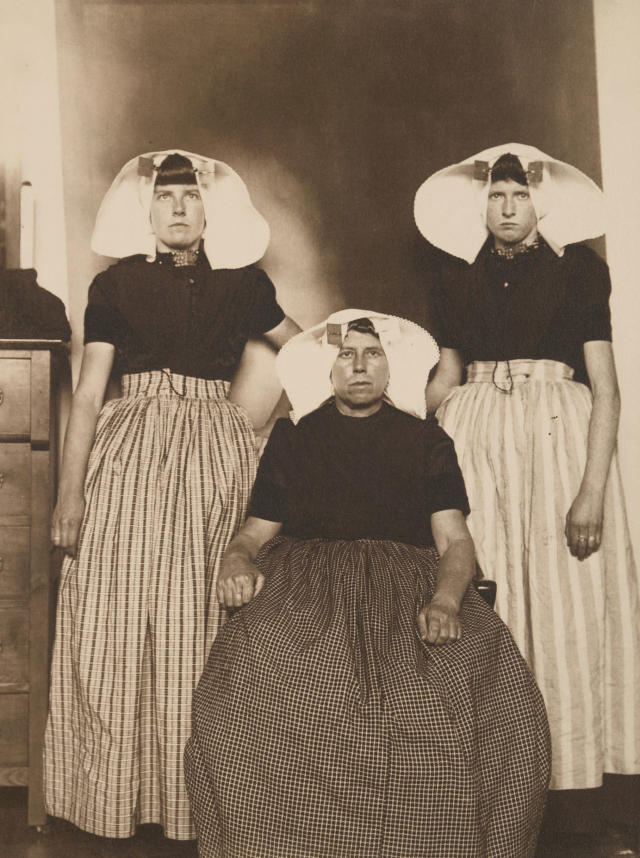 <p>Three Dutch women. (Photograph by Augustus Sherman/New York Public Library) </p>