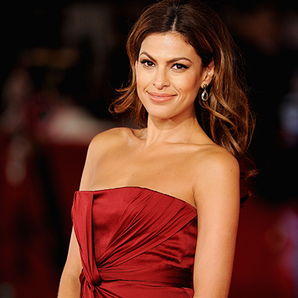 Eva Mendes on red carpet shocks fans cosmetic procedure selfie