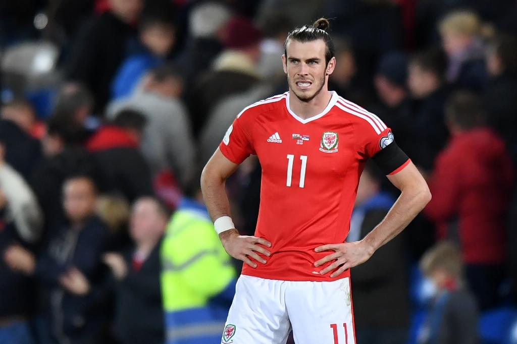 Wales' forward Gareth Bale reacts at the final whistle in the World Cup 2018 qualification match between Wales and Serbia November 12, 2016 (AFP Photo/Anthony DEVLIN)