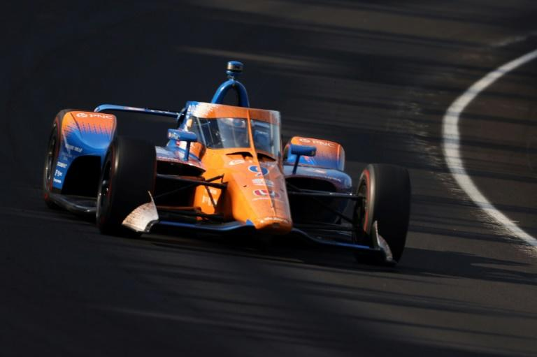 Dixon holds off Indy 500 winner Sato for IndyCar triumph