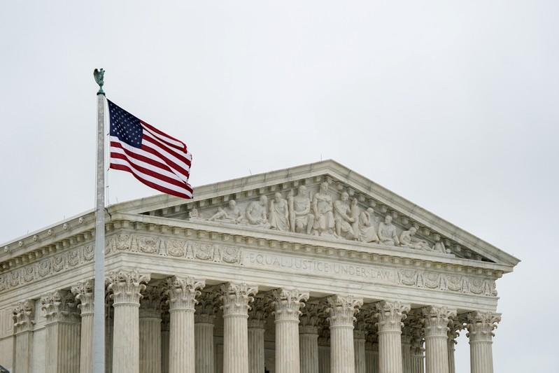 U.S. Supreme Court mulls making it easier to deport immigrants for crimes
