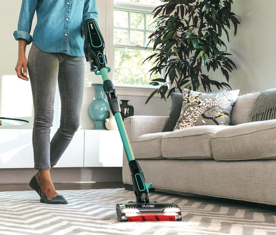 Get the Shark ION F60 CordFree MultiFLEX Vacuum for just $250. (Photo: Shark)
