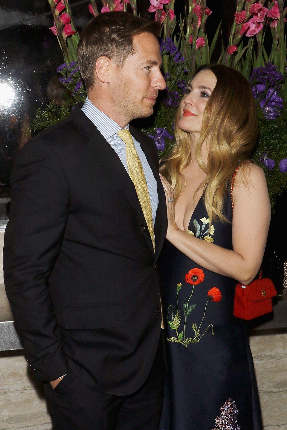 "<p>The duo dated for just under a year before getting engaged in 2012. It's—shall we say—a habit for her? She got married in 1994 after six weeks of dating bar owner Jeremy Thomas and had a quickie marriage to Tom Green in 2001, details the <em><a class=""link rapid-noclick-resp"" href=""http://www.nydailynews.com/entertainment/gossip/drew-barrymore-kopelman-engaged-year-article-1.1001443"" rel=""nofollow noopener"" target=""_blank"" data-ylk=""slk:Daily News"">Daily News</a></em>. Sadly, Drew and Will divorced in 2016.</p>"