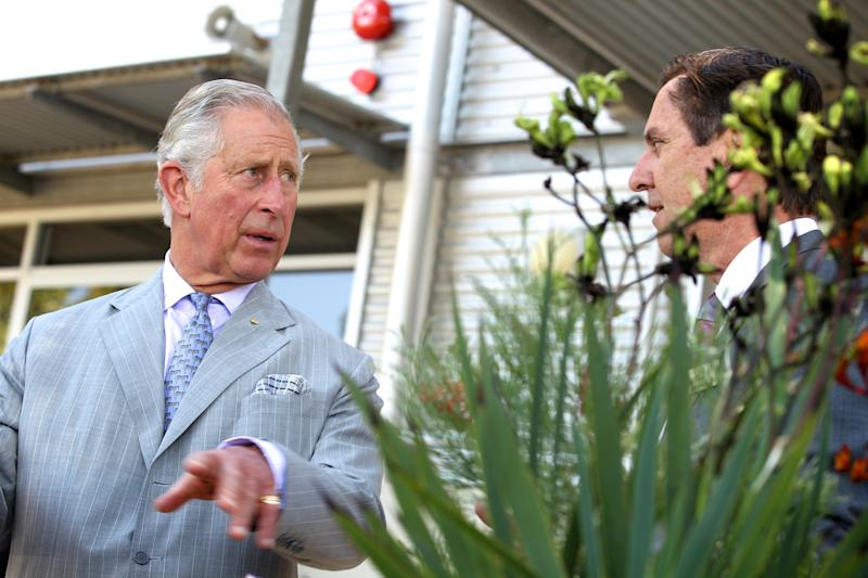 PERTH, AUSTRALIA - NOVEMBER 15: Prince Charles, Prince of Wales talks with Chief Executive Officer of the Botanic Gardens and Parks Authority, Mark Webb during a visit to the Biodiversity Conservation Centre, meeting with students undertaking post-graduate studies on November 15, 2015 in Perth, Australia. The Royal couple are on a 12-day tour visiting seven regions in New Zealand and three states and one territory in Australia. (Photo by Richard Wainwright - Pool /Getty Images)