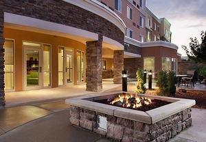 Iowa Courtyard by Marriott Earns Platinum Circle Award for 2011
