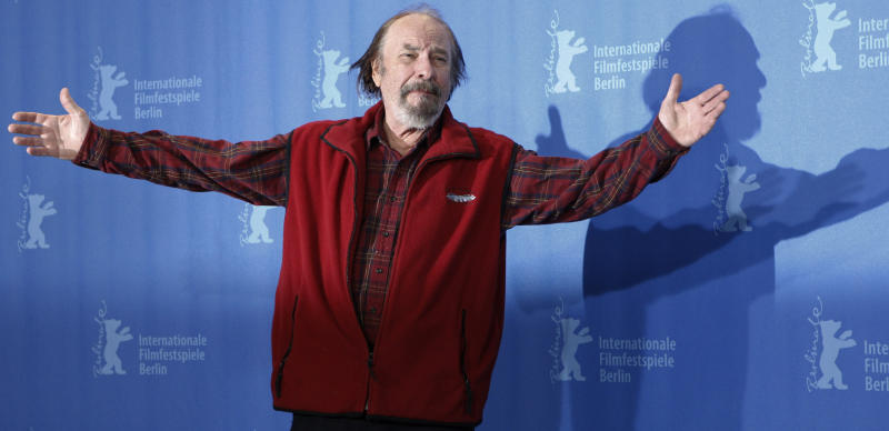 """FILE - In this Wednesday, Feb. 11, 2009, file photo, U.S. actor Rip Torn poses during a photo call for the competition movie """"Happy Tears,"""" at the Berlinale in Berlin. Award-winning television, film and theater actor Torn has died at the age of 88, his publicist announced Tuesday, July 9, 2019. (AP Photo/Markus Schreiber, File)"""