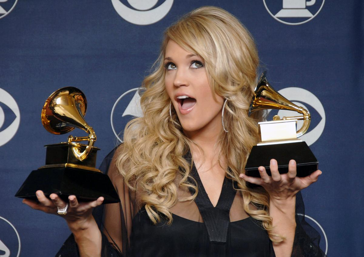 """Carrie Underwood, winner Best New Artist and Best Female Country Vocal Performance for """"Jesus, Take the Wheel"""" (Photo by SGranitz/WireImage)"""