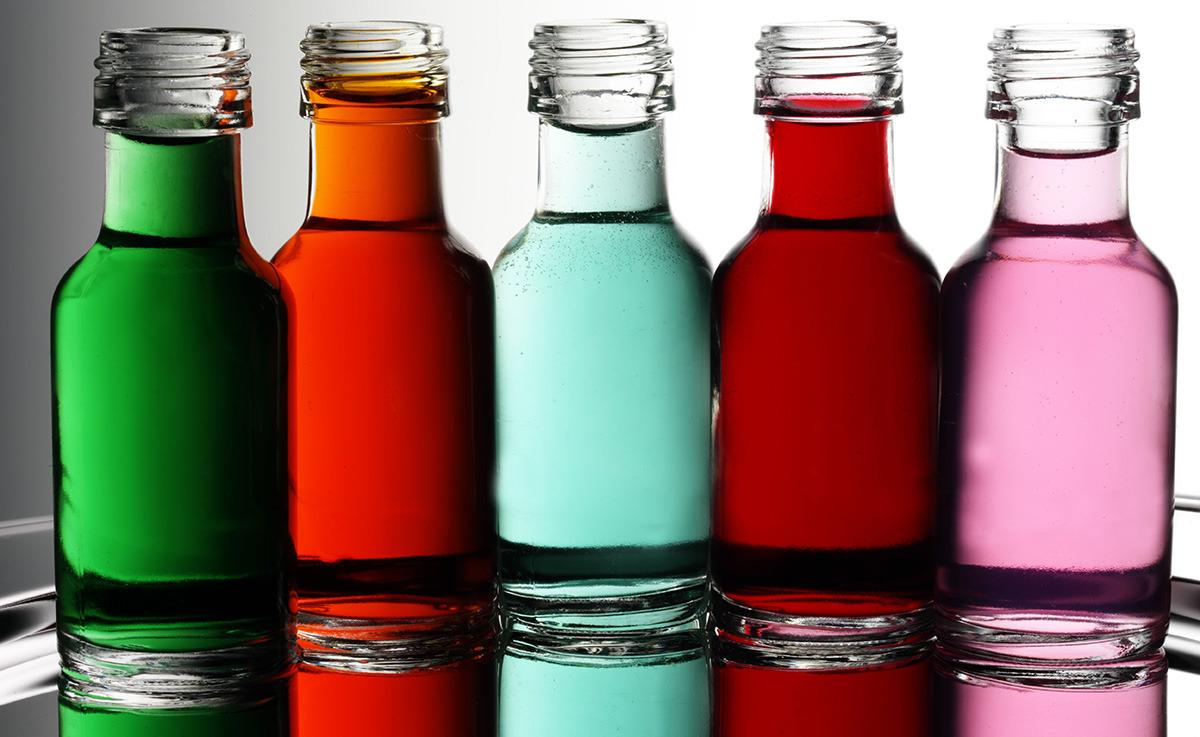 <p>Food dyes have been linked to cancer in animals, so goodness only knows what they're doing to our insides. The craze for rainbow cakes is more dangerous than we thought! [trec_lit/Flickr]</p>