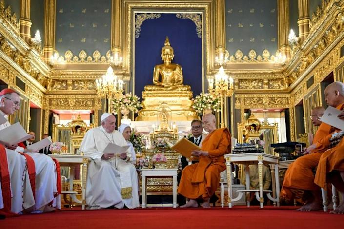 Francis paid a visit to the supreme Buddhist patriarch Somdej Phra Maha Muneewong at one of Bangkok's famed gilded temples (AFP Photo/Handout)