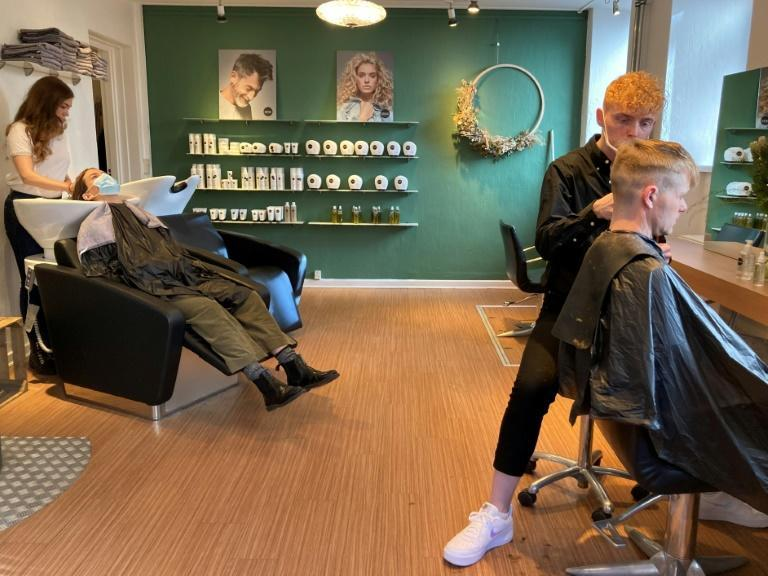 """Clients had to present a """"corona pass"""" to access the Zenz hair salon in Copenhagen on April 6"""
