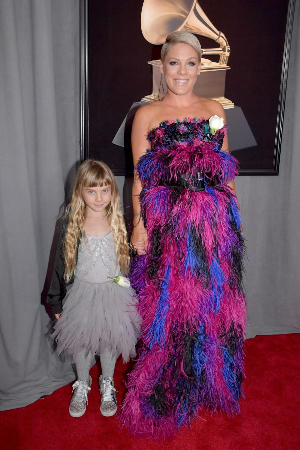 """<h1 class=""""title"""">Willow Sage Hart and Pink in Armani Privé</h1><cite class=""""credit"""">Photo: Getty Images</cite>"""