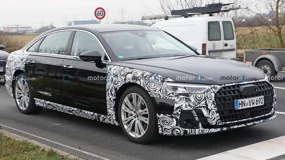 2022 Audi A8 (facelift) spotted testing, key design details revealed