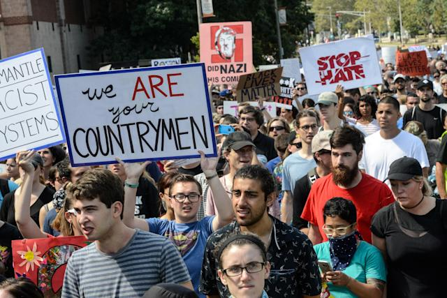 <p>A large crowd of people march towards the Boston Commons to protest the Boston Free Speech Rally in Boston, Mass., Aug.19, 2017. (Photo: Stephanie Keith/Reuters) </p>