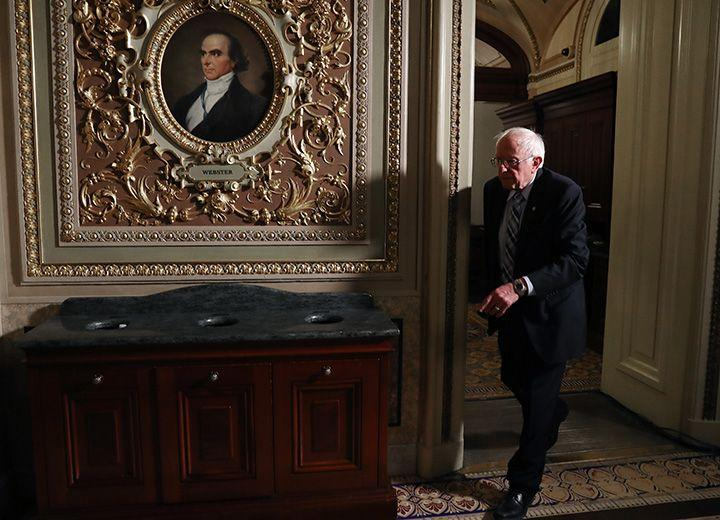Sanders Gains in Poll as He Pauses Campaigning for Impeachment