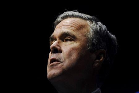 Republican U.S. presidential candidate Jeb Bush speaks during a campaign event in Greenville, South Carolina February 19, 2016.   REUTERS/Rainier Ehrhardt