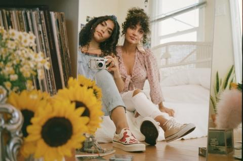 American Eagle Breaks Boundaries with Debut of New Spring '19 Campaign of Self-Expression and Youth Empowerment