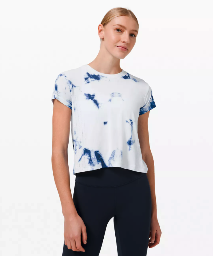 Train to Be Short Sleeve Shibori. Image via Lululemon.
