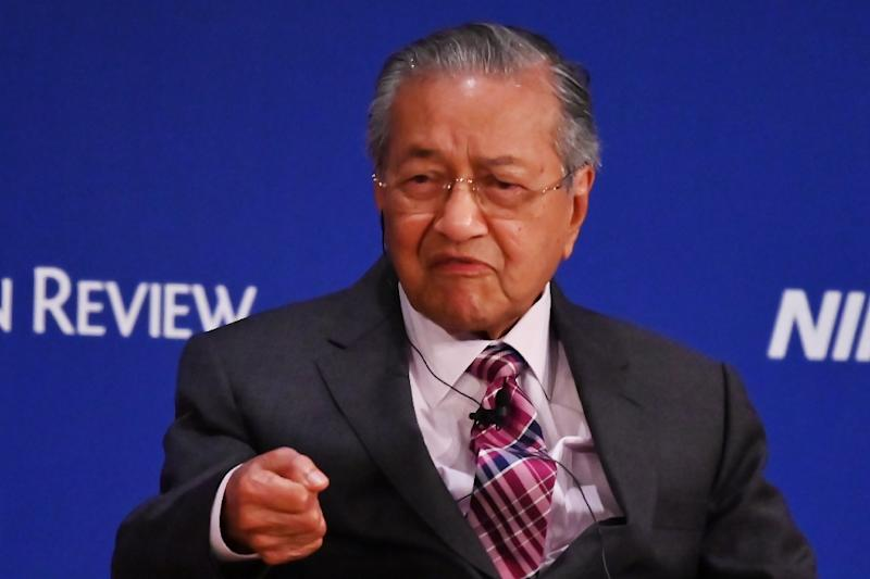 Malaysia pledges to use Huawei 'as much as possible'