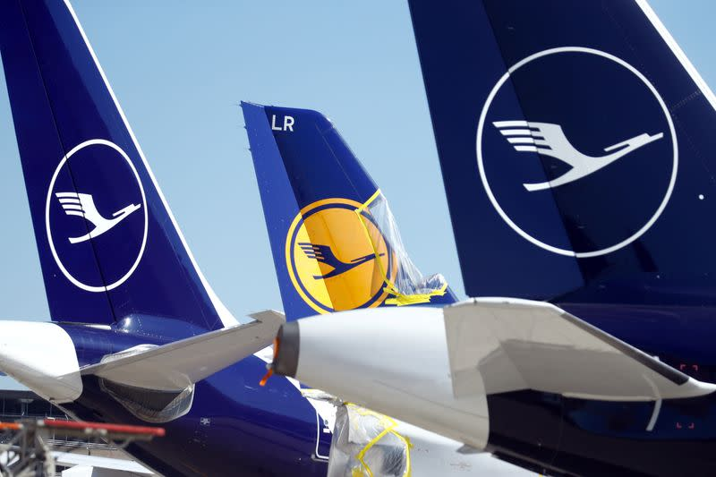 Germany agrees on rescue package for Lufthansa - media