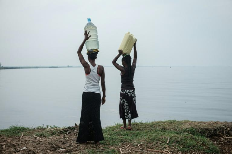 Uganda discovered oil beneath Lake Albert 14 years ago but so far none has been extracted (AFP Photo/Yasuyoshi CHIBA)