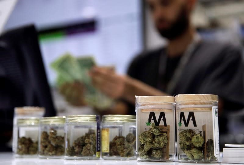 Ontario's private pot shops upset about giving up delivery and curbside pickup