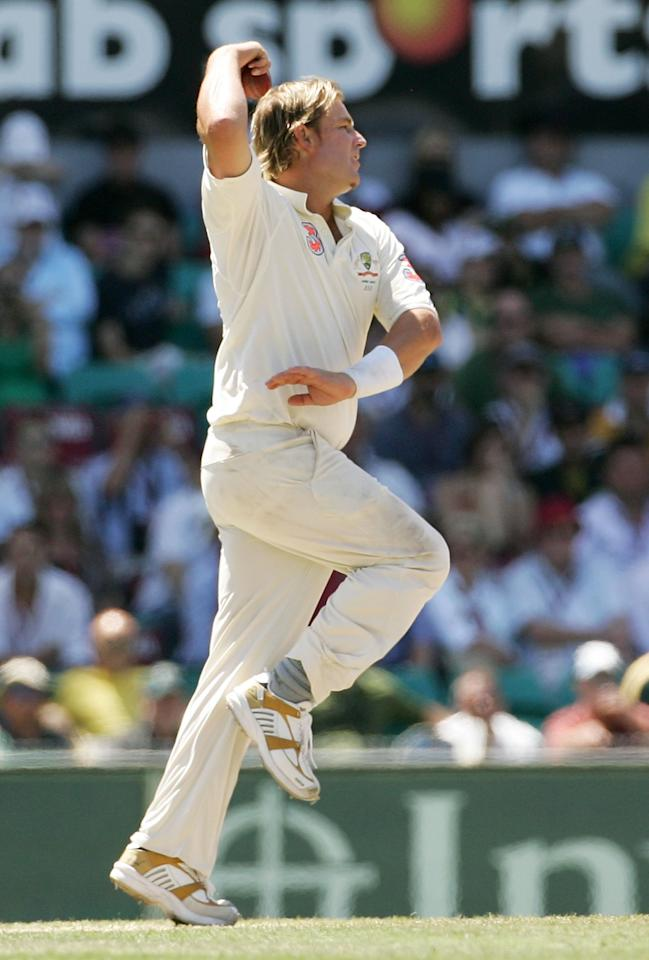 SYDNEY, AUSTRALIA - JANUARY 05:  Shane Warne of Australia bowls his last test delivery during day four of the fifth Ashes Test Match between Australia and England at the Sydney Cricket Ground on January 5, 2007 in Sydney, Australia. McGrath retired from test cricket after this match.  (Photo by Hamish Blair/Getty Images)