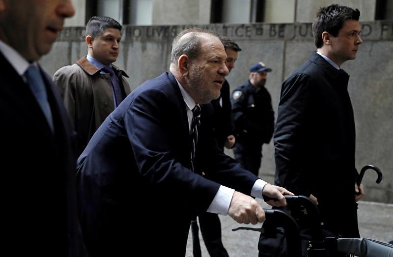 Former Hollywood producer Harvey Weinstein (C) arrives for his sexual assault trial at New York State Supreme Court in New York, New York, USA, 13 February 2020. (Estados Unidos, Nueva York) EFE/EPA/PETER FOLEY