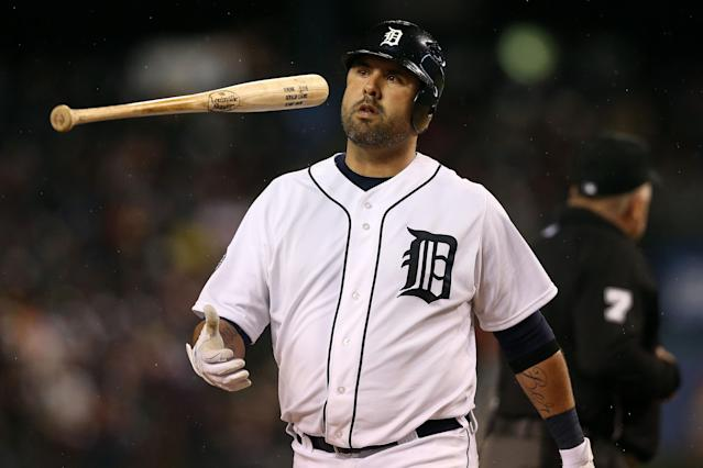 DETROIT, MI - OCTOBER 28: Gerald Laird #9 of the Detroit Tigers reacts after a failed bunt attempt to Brandon Belt #9 the San Francisco Giants against Matt Cain #18 in the fifth inning during Game Four of the Major League Baseball World Series at Comerica Park on October 28, 2012 in Detroit, Michigan. (Photo by Ezra Shaw/Getty Images)
