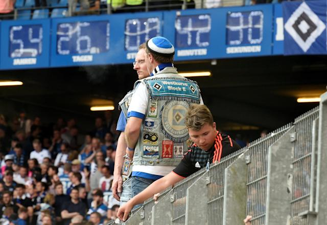 Soccer Football - Bundesliga - Hamburger SV v Borussia Moenchengladbach - Volksparkstadion, Hamburg, Germany - May 12, 2018 General view of the Hamburger SV clock at the end of the match REUTERS/Fabian Bimmer DFL RULES TO LIMIT THE ONLINE USAGE DURING MATCH TIME TO 15 PICTURES PER GAME. IMAGE SEQUENCES TO SIMULATE VIDEO IS NOT ALLOWED AT ANY TIME. FOR FURTHER QUERIES PLEASE CONTACT DFL DIRECTLY AT + 49 69 650050