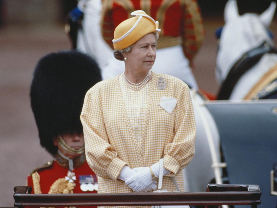 queen elizabeth trooping the colour 1991