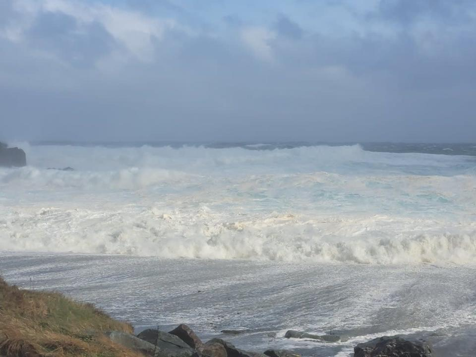 Blustery conditions to persist across Newfoundland through Sunday