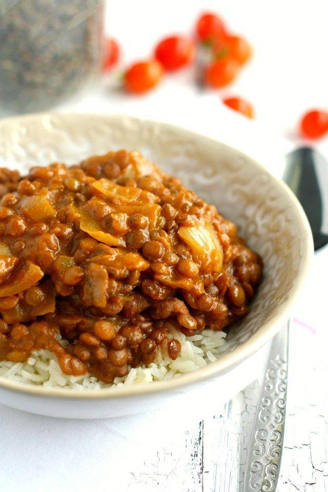 """<p>Healthy, hearty, stupid simple to make.</p><p>Get the recipe from <a href=""""http://theprettybee.com/2015/09/slow-cooker-lentil-curry.html"""" rel=""""nofollow noopener"""" target=""""_blank"""" data-ylk=""""slk:The Pretty Bee"""" class=""""link rapid-noclick-resp"""">The Pretty Bee</a>.</p>"""