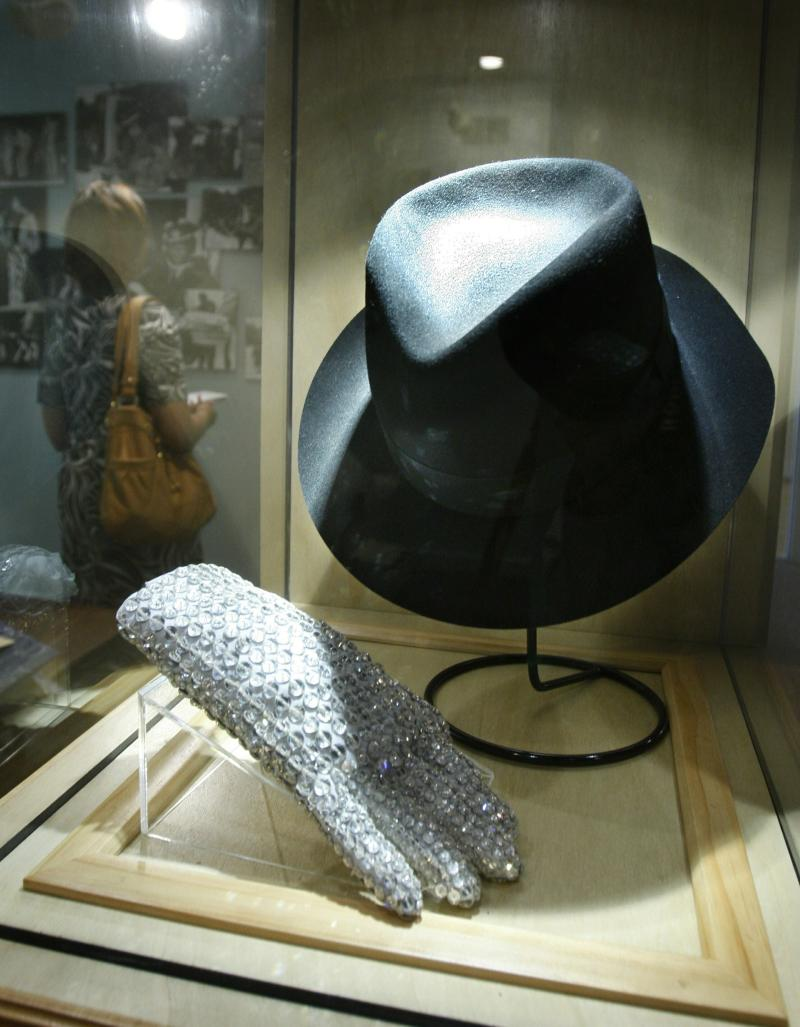 e8c352e34f381 Music museums keeping Michael Jackson exhibits on display