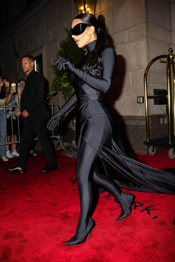 Kim Kardashian changed her Met Gala look by unmasking herself at Justin Bieber's after party