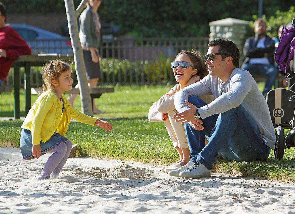 Jessica Alba and her family made their weekly trek to the playground on Sunday. The actress and husband Cash Warren laughed as their oldest daughter Honor, 3, goofed around in the sand. (3/11/2012)