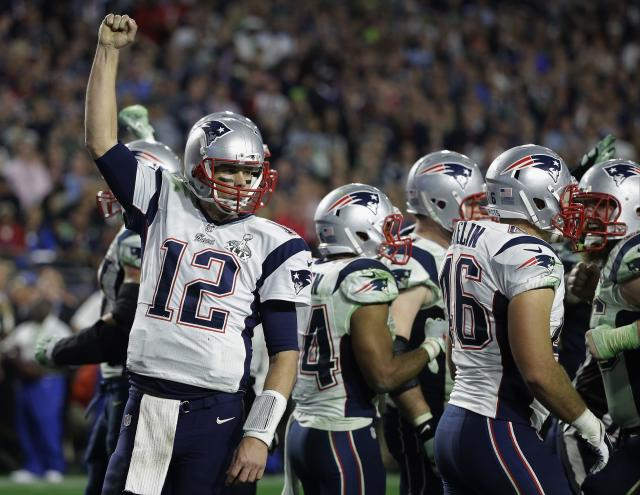 "<a class=""link rapid-noclick-resp"" href=""/nfl/players/5228/"" data-ylk=""slk:Tom Brady"">Tom Brady</a> on how he likes for his teammates to feel at ease with him: ""I love when people joke with me because it means they are comfortable with me. And I like when guys know me for a while because they feel free to cut loose. That's kind of how I am and I like to go back and forth … a lot of smack talk back and forth."" (AP)"