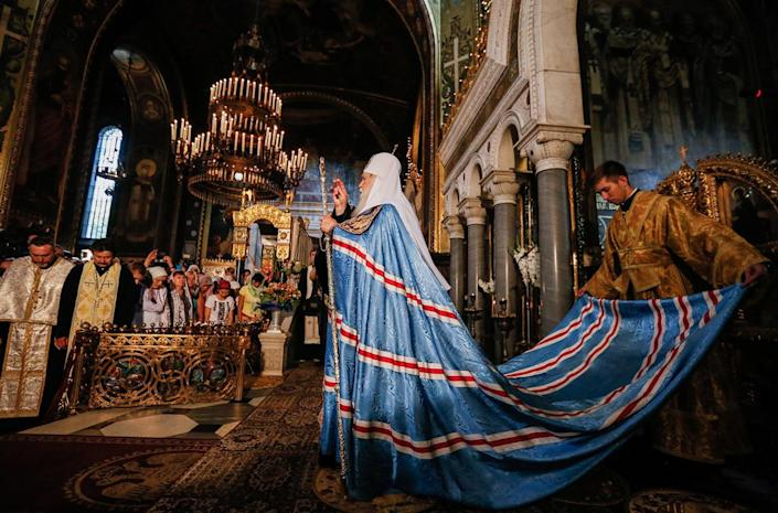 <p> <br>The Filaret, center, Patriarch of Ukrainian Orthodox Church of Kiev patriarchate with priests attends a prayer service marking the 1028th anniversary of Kievan Rus Christianization in the St. Volodymir cathedral in Kiev, Ukraine, July 28, 2016. (Photo: EPA)</p>