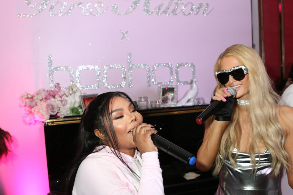 HOLLYWOOD, CALIFORNIA - JUNE 20, 2018 LiL Kim & Paris Hilton attend the Paris Hilton X boohoo Official Launch Party at Delilah, June 20, 2018 in Hollywood, Califonia. Photo Credit: Walik Goshorn / Mediapunch /IPX