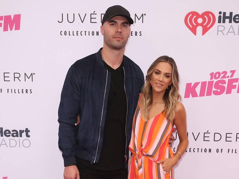 Topless pic sent to Jana Kramer's husband came from a bot