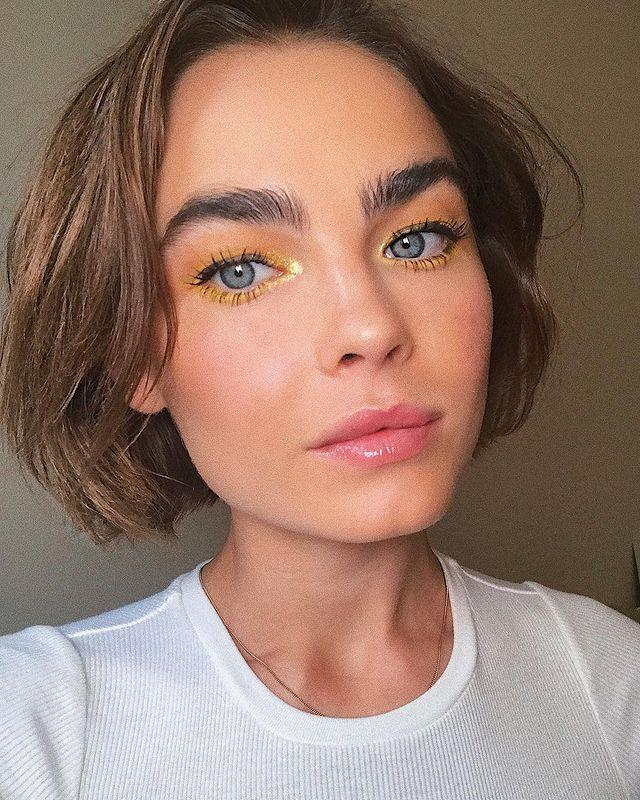 """<p>Can't decide on a shadow color? Only use one: gold traced all around the lid, with a touch of golden highlighter at the inner corner of the eye, is a monochromatic look we can get behind.</p><p><strong>Try: Charlotte Tilbury</strong> Luxury Eyeshadow Palette in The Vintage Vamp, $53, <a href=""""https://www.sephora.com/product/luxury-eyeshadow-palette-P433523"""" rel=""""nofollow noopener"""" target=""""_blank"""" data-ylk=""""slk:sephora.com"""" class=""""link rapid-noclick-resp"""">sephora.com</a>. <a class=""""link rapid-noclick-resp"""" href=""""https://go.redirectingat.com?id=74968X1596630&url=https%3A%2F%2Fwww.sephora.com%2Fproduct%2Fluxury-eyeshadow-palette-P433523&sref=https%3A%2F%2Fwww.harpersbazaar.com%2Fbeauty%2Fmakeup%2Fg26114054%2Fvalentines-day-eye-makeup-ideas%2F"""" rel=""""nofollow noopener"""" target=""""_blank"""" data-ylk=""""slk:SHOP"""">SHOP</a> </p><p><a href=""""https://www.instagram.com/p/BpnFfWpgO06/"""" rel=""""nofollow noopener"""" target=""""_blank"""" data-ylk=""""slk:See the original post on Instagram"""" class=""""link rapid-noclick-resp"""">See the original post on Instagram</a></p>"""