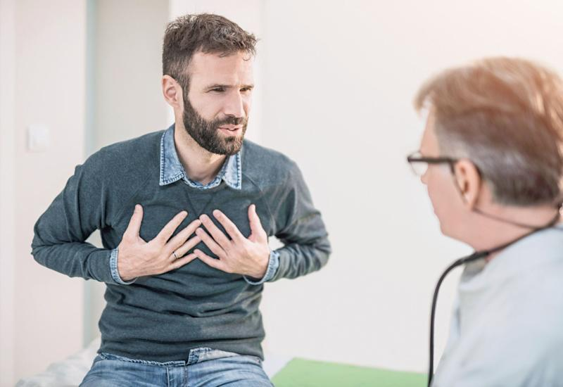 Chest pain can be a symptom of heart disease [Photo: Getty]