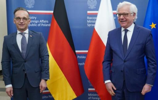 Polish Foreign Minister Jacek Czaputowicz and his German counterpart Heiko Maas (L) stressed the importance of the US military presence in Germany