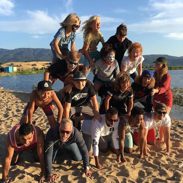 "<p>The <em>American Crime Story</em> actress gave us a better look at that epic beach human pyramid at Pink and family's get-together. ""Happy Hart campout 2017. The happiest,"" she wrote. ""A safe holiday to everybody. Love the ones you're with…""(Photo: <a href=""https://www.instagram.com/p/BUqUYh2A8hm/"" rel=""nofollow noopener"" target=""_blank"" data-ylk=""slk:Selma Blair via Instagram"" class=""link rapid-noclick-resp"">Selma Blair via Instagram</a>) </p>"