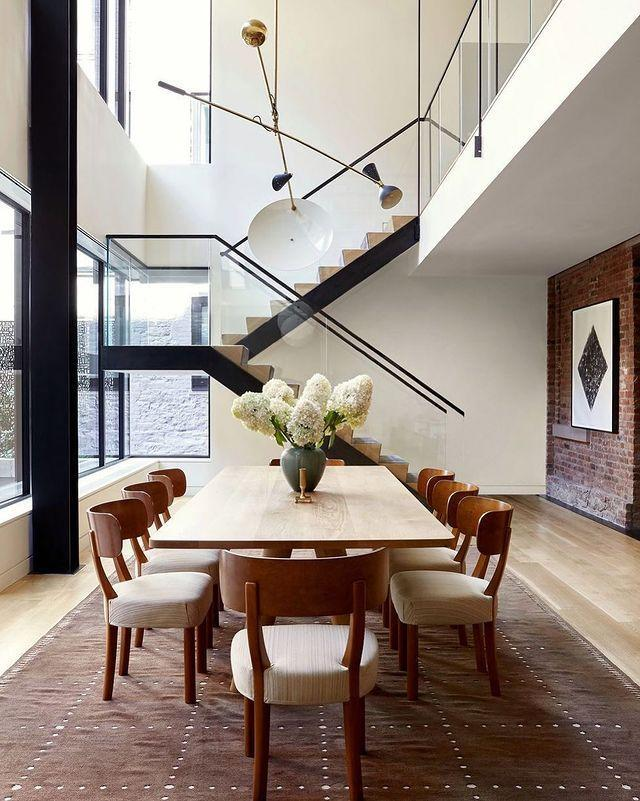"<p>Designer Alyssa Kapito makes a neutral palette work in this SoHo duplex, and the dining room serves as the perfect backdrop to vibrant dinners of all sorts.</p><p><a class=""link rapid-noclick-resp"" href=""https://www.elledecor.com/design-decorate/house-interiors/a30271014/alyssa-kapito-soho-new-york-duplex/"" rel=""nofollow noopener"" target=""_blank"" data-ylk=""slk:TOUR THE HOME"">TOUR THE HOME</a></p><p><a href=""https://www.instagram.com/p/B7CNLkRpoTO/"" rel=""nofollow noopener"" target=""_blank"" data-ylk=""slk:See the original post on Instagram"" class=""link rapid-noclick-resp"">See the original post on Instagram</a></p>"