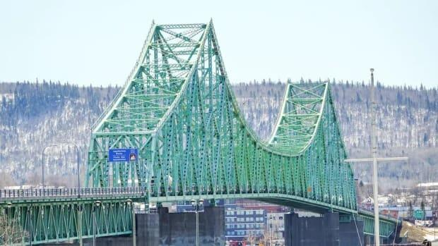 Residents of the Avignon Regional Municipality in Quebec will be allowed to travel to New Brunswick across the J.C. Van Horne Bridge under the expected reopening of a bubble in April. (Isabelle Larose/Radio-Canada - image credit)