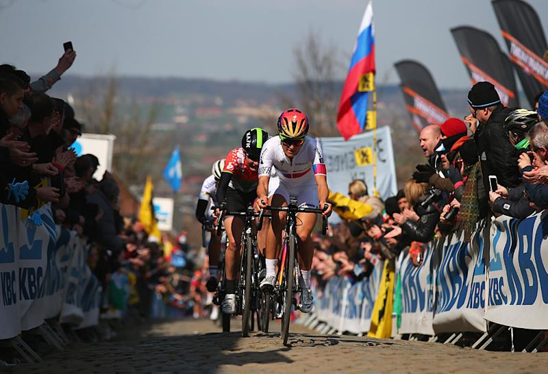 Elizabeth Armitstead of Great Britain and Boels Dolmans Cycling Team climbs Oude Kwaremont during the Women's 2015 Tour of Flanders